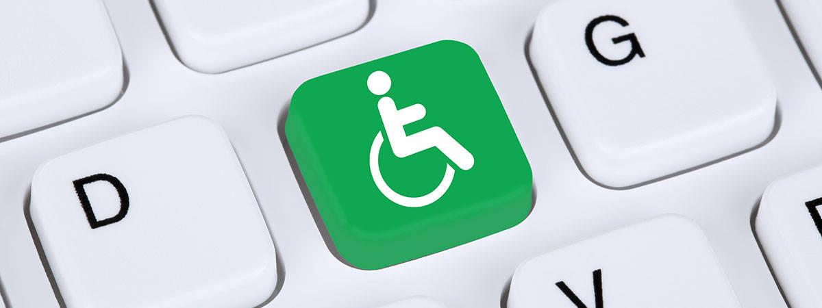 כפתור נגישות בצבע ירוק במקלדת